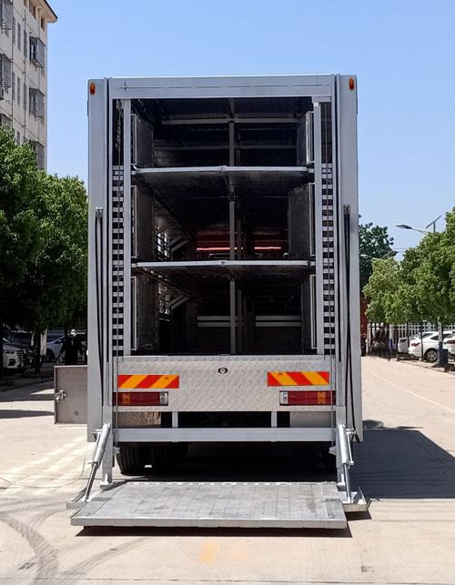 程力威牌CLW5310CCQB6型畜禽运输车